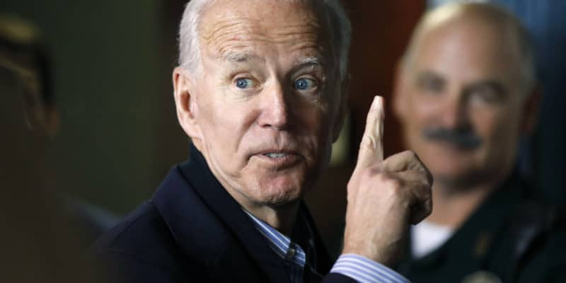 Joe Biden pointing up