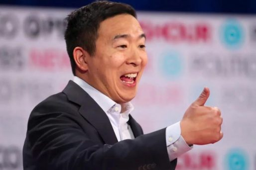 andrew-yang-thumbs-up