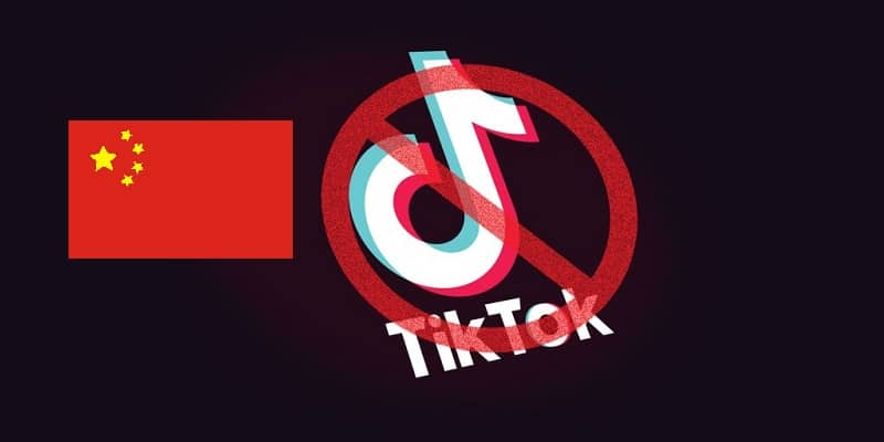 a China flag next to an icon of tiktok being banned
