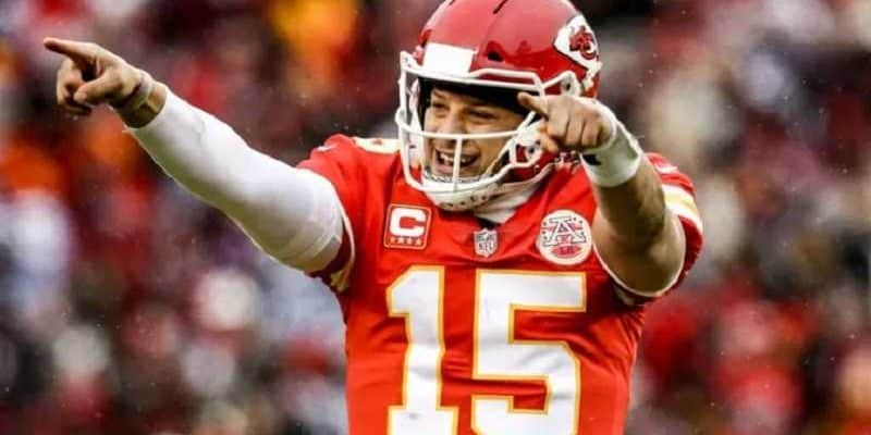 nfl kansas city chiefs quarterback patrick mahomes celebrating